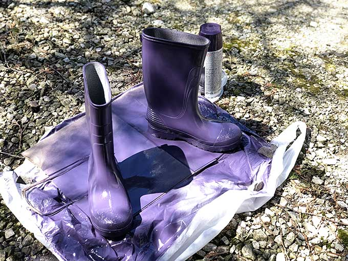 Spray painting rubber boots for boot planters