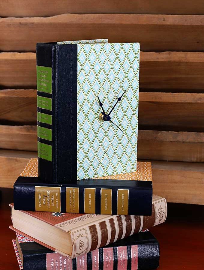 How To Upcycle Old Books Into Clocks (video)