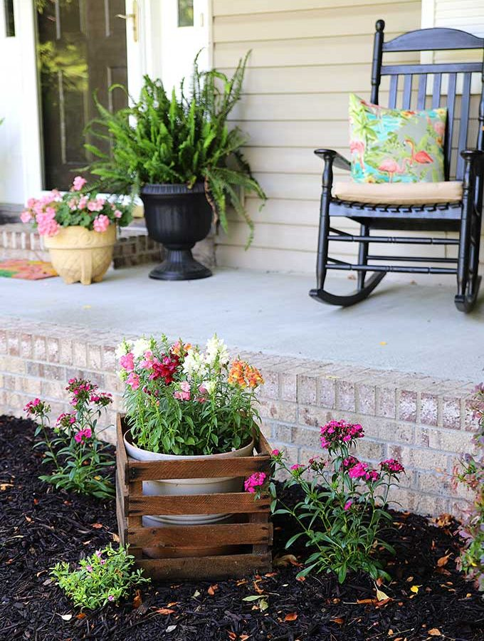 Front Porch Decor: Refreshing Summer Style