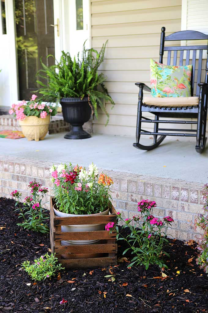 Colorful front porch decor for summer