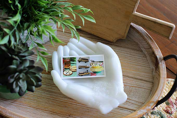 Avon Touch Of Beauty Soap Dish - hand shaped
