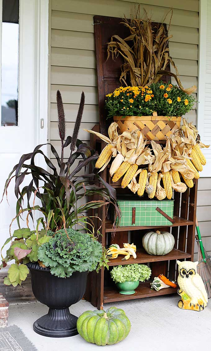 Simple fall porch decorating ideas.