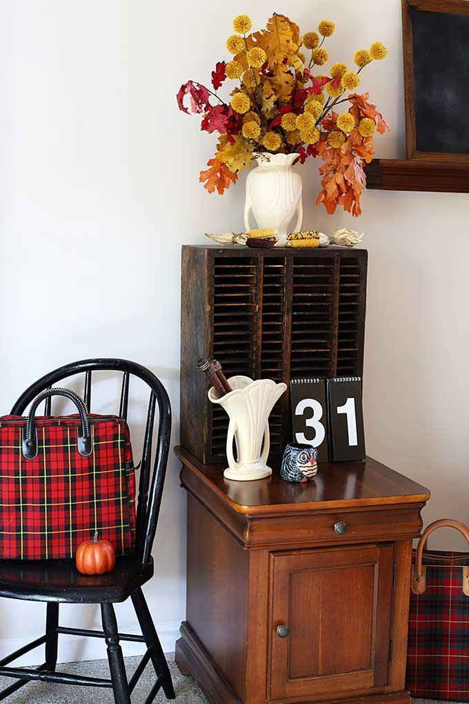 Late fall home decor with a little bit of vintage Halloween thrown in!