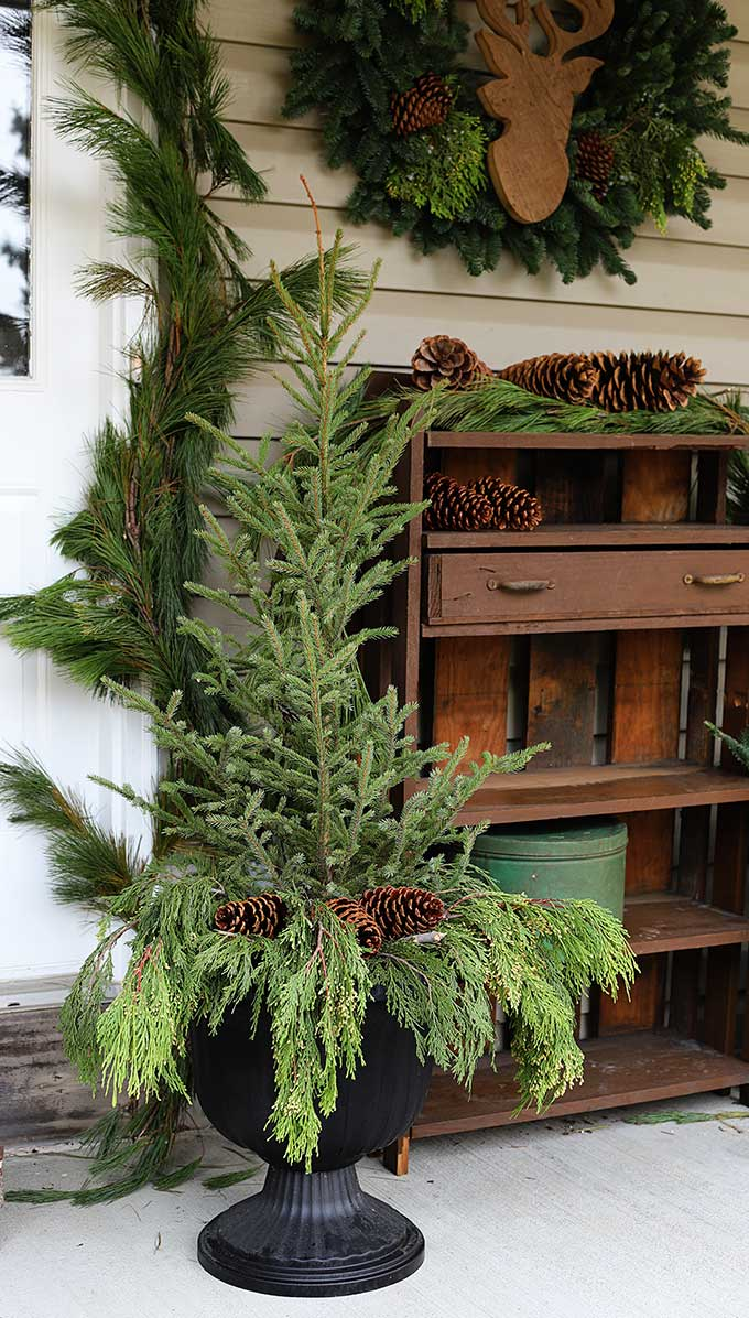 Holiday front porch planters tutorial