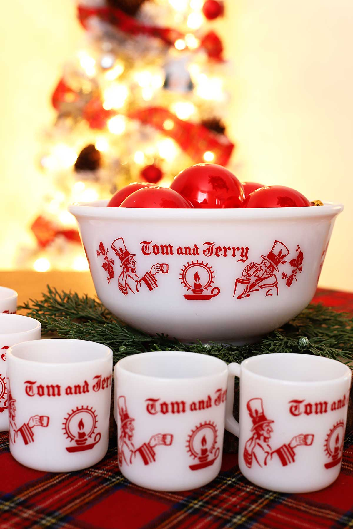 classic red and white milk glass Tom & Jerry set made by Hazel Atlas