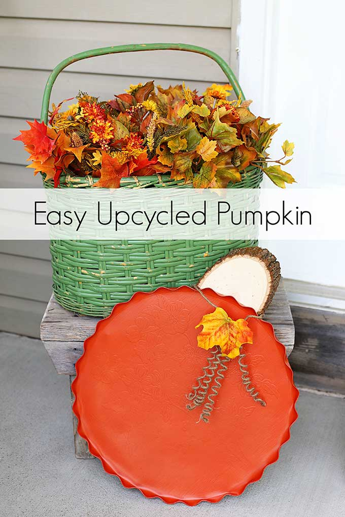 repurposed thrift store tray into fall pumpkin decor