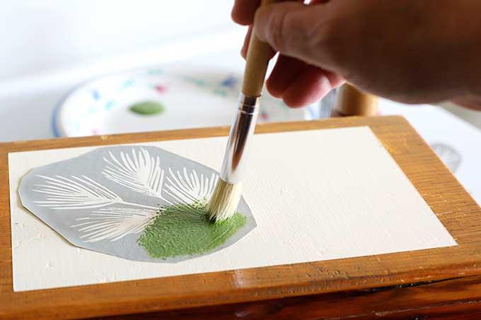 Using Martha Stewart Adhesive Silkscreen stencils