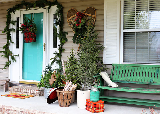 vintage lodge inspired Christmas porch decorations