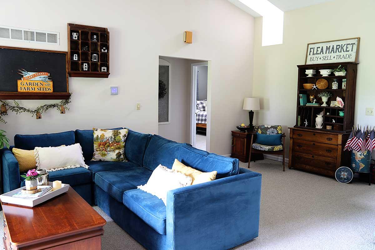 summer living room home decor