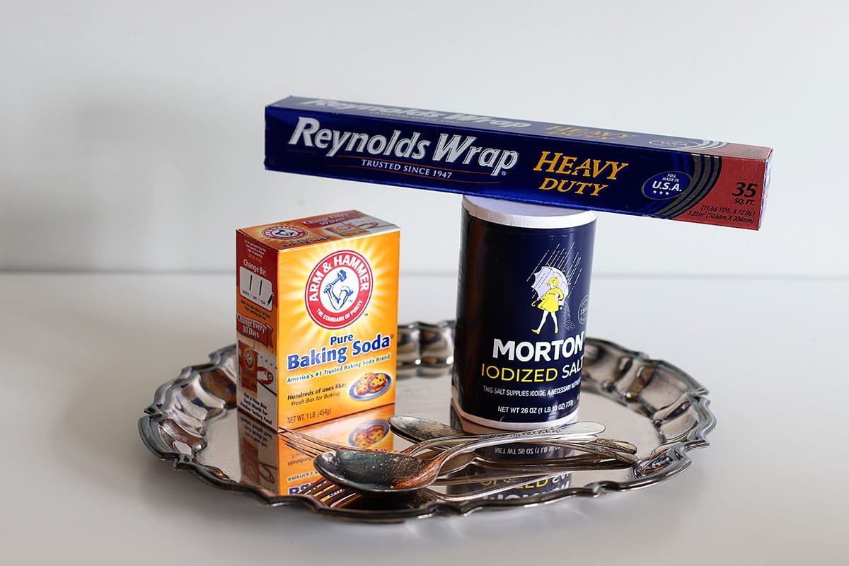 supplies to clean silver with aluminum foil and baking soda