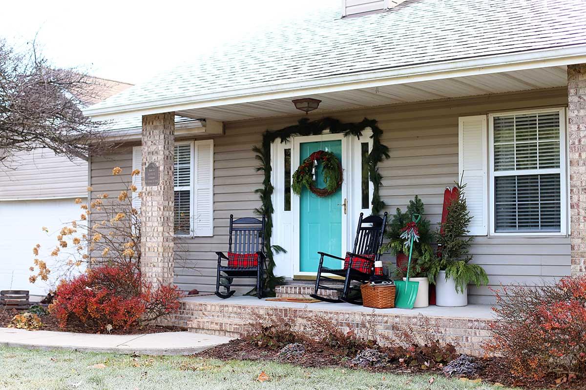 farmhouse Christmas porch decor