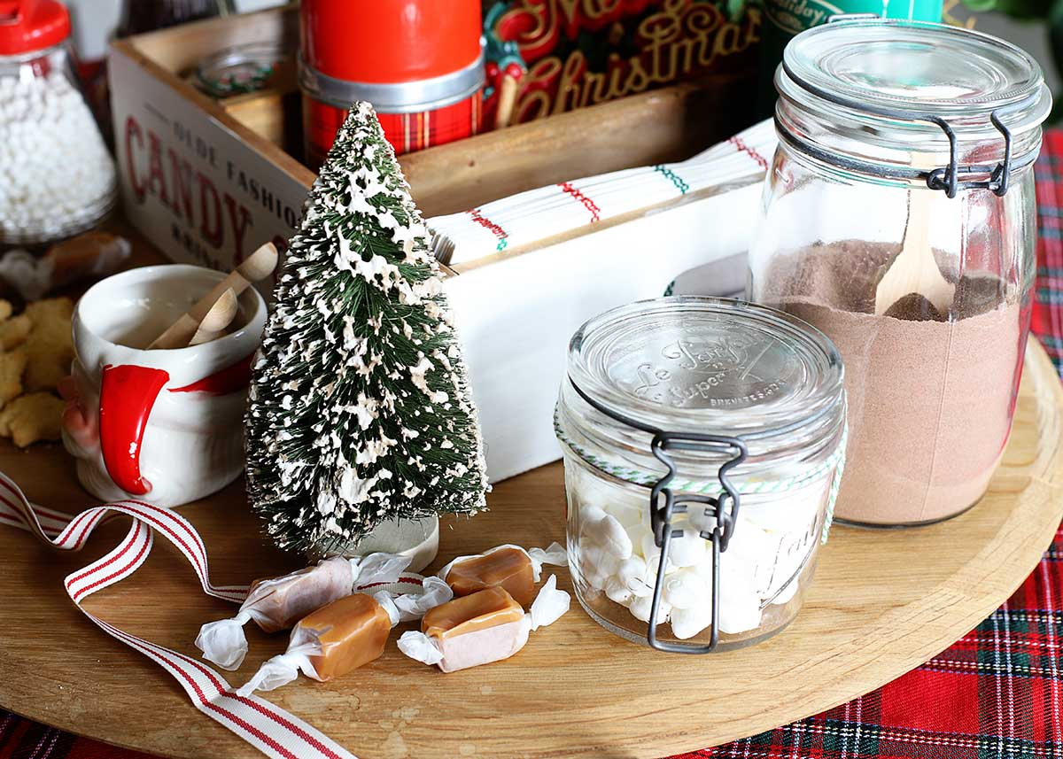 homemade hot chocolate mix and mini marshmallows